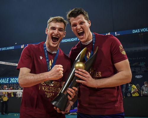 United Volleys Pokalsieger mit zwei Junioren